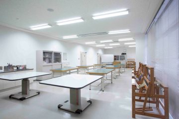 絵画・織物・手工芸室